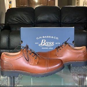 Brand new never been worn G.H. Bass Co. Derbys